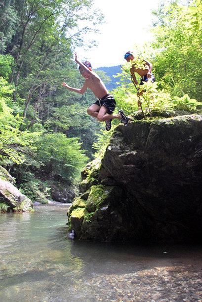 夏休みは、川に行くぞー^^!  友達、いっぱい連れて行こう!!