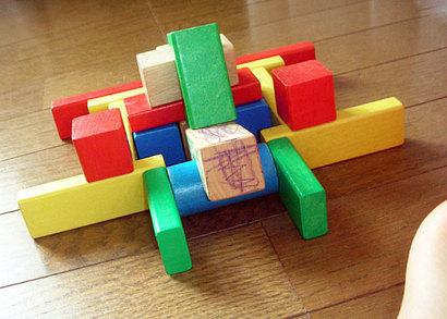 積み木で伸びる子どもの集中力・注意力
