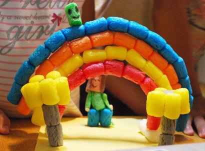 小さい子も、水でぺたん!楽しく作れる簡単素材「プレイマイス」^^