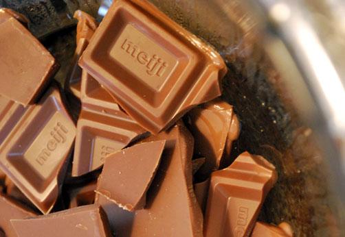 チョコレートを溶かします^^こちらもいい匂い^^
