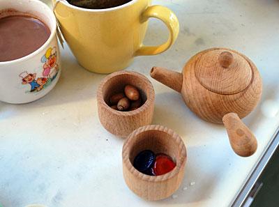 4歳、5歳のままごと遊び。コーヒーと紅茶^^
