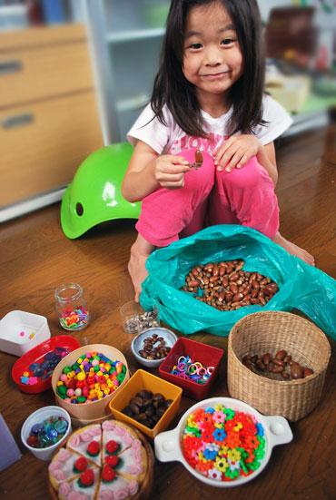 4歳、5歳ころ、野菜やお肉や果物として活躍するのは、ビーズ・おはじき、どんぐり、チェーンリング...
