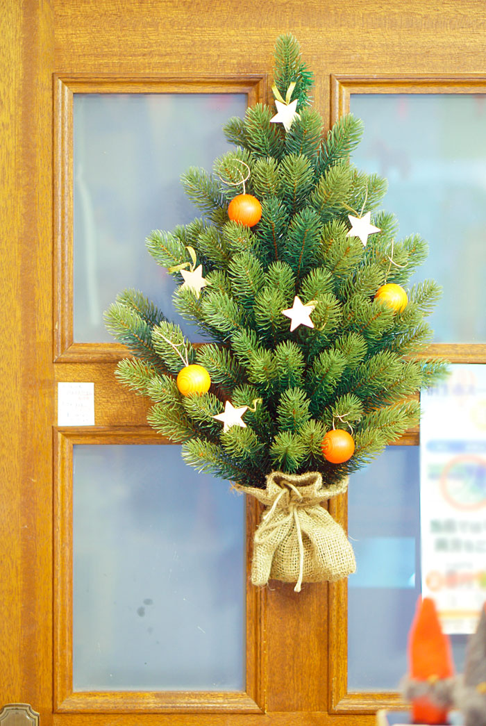 壁掛け式クリスマスツリー