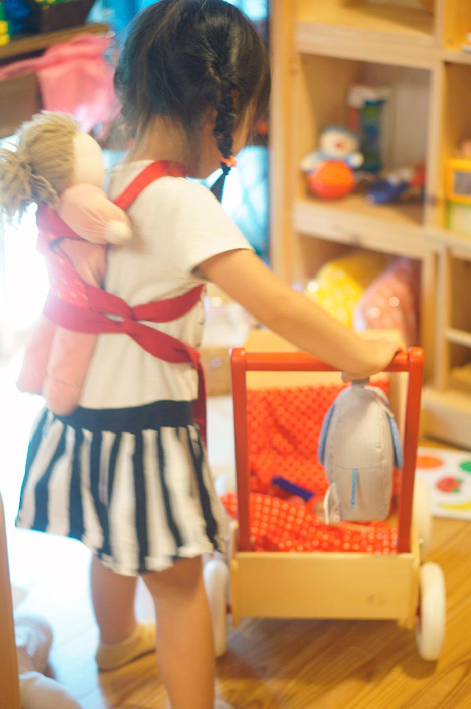 お人形とおんぶひも